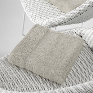 De Witte Lietaer Handdoek Stephanie Dove 50x100cm 5410156405911